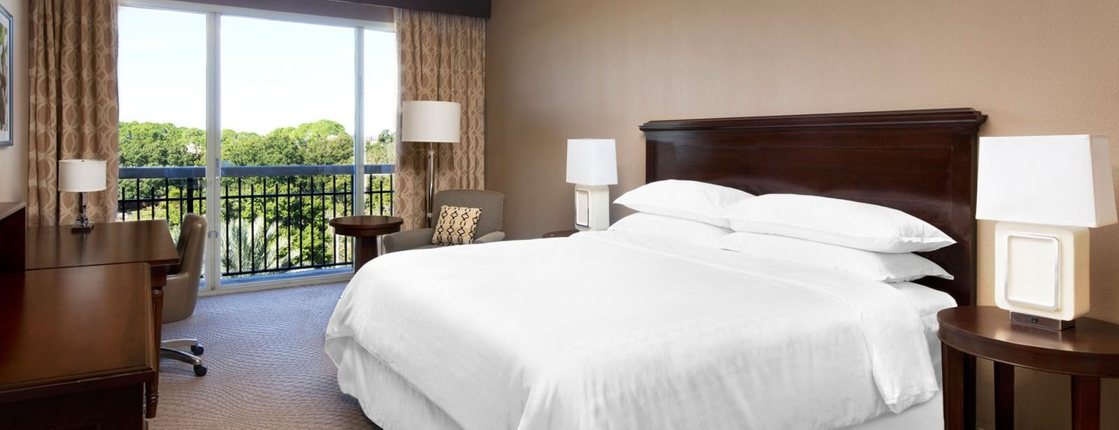 Traditional Guest Room | Sheraton Orlando North Hotel